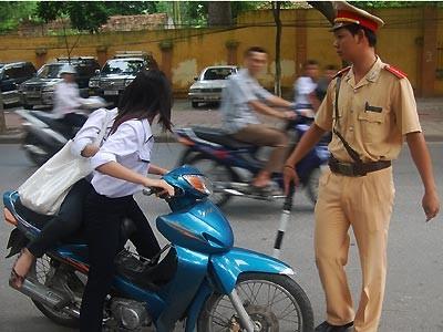 Giam xe học sinh 60 ngày, Đà Nẵng phạm luật