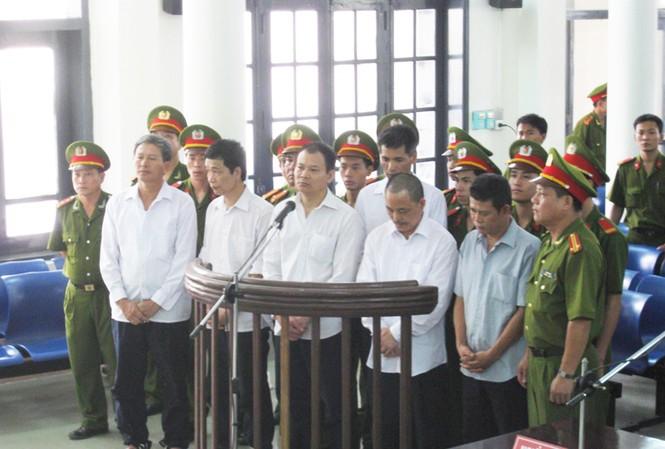 Phương Linh Hột cùng đồng phạm tại phiên tòa sơ thẩm