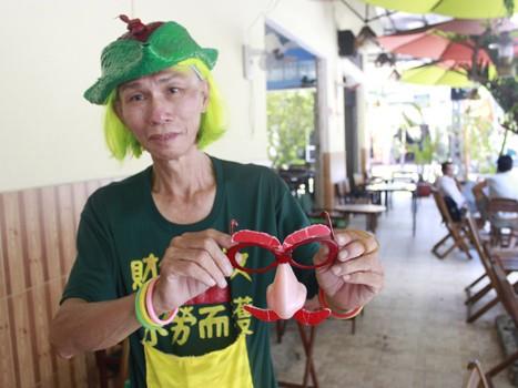 'Dị nhân' bán vé số ở Sài Gòn