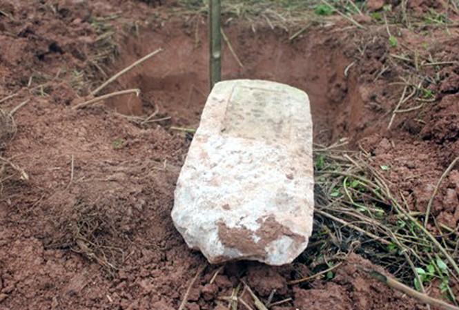 Đào mộ, trộm hộp sọ đòi chuộc 300 triệu