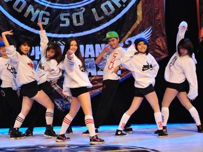 Sôi động dancer nữ 'xông đất' sân chơi hiphop