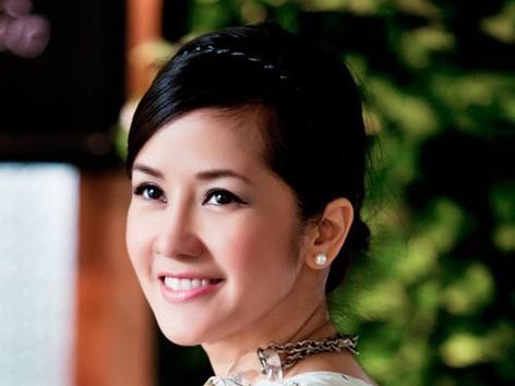 Hồng Nhung làm HLV The Voice 2013