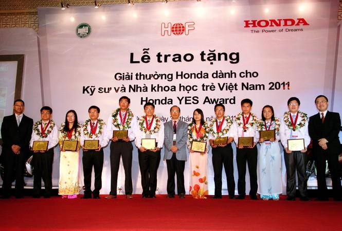 Giải thưởng dành cho kỹ sư và nhà khoa học trẻ VN