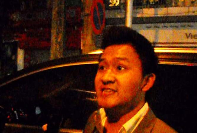 Phó Giám đốc Hoàng Long đấm thẳng vào mặt phóng viên