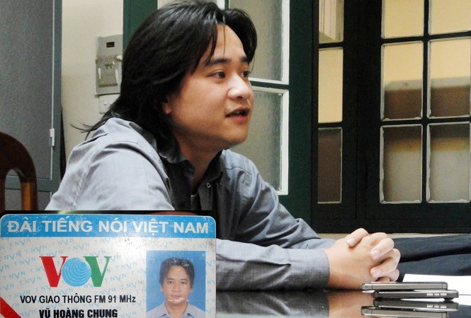 Vũ Hoàng Chung và chiếc thẻ phóng viên giả kêng VOV giao thông