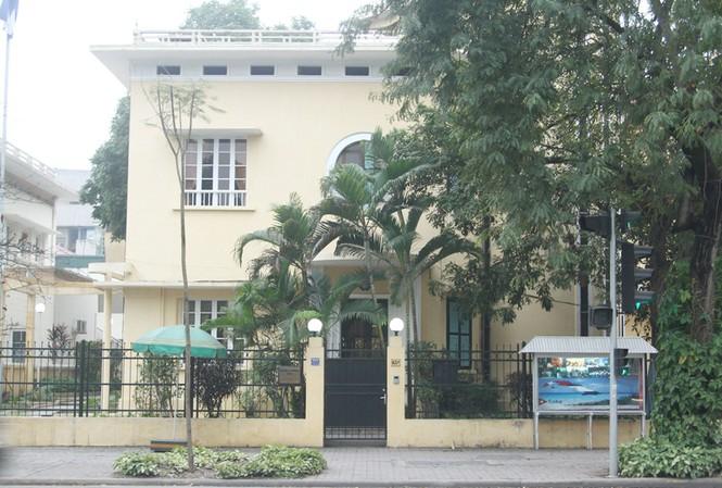 Nhà số 65 Lý Thường Kiệt, nơi BS Nguyễn Văn Luyện cùng hai con trai anh dũng hy sinh  ảnh: mai xuân tùng