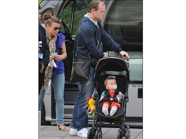 Rooney đưa vợ con đi nghỉ xả hơi