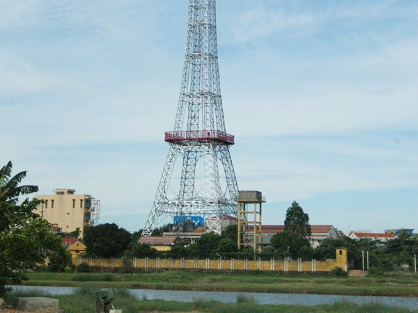 Đình chỉ xây dựng tháp anten của VOV