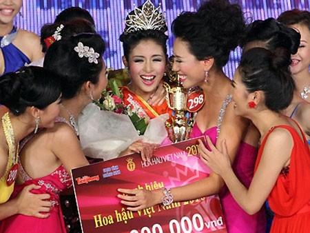 Khởi động Hoa Hậu Việt Nam 2012
