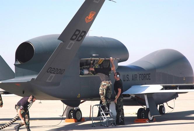Các 'đối thủ' của TQ ồ ạt tăng ngân sách quốc phòng
