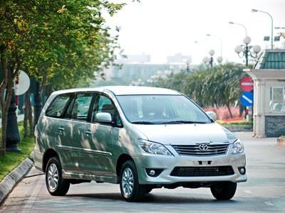 Cận cảnh Toyota Innova 2013 tại Việt Nam