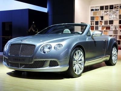 Bentley Continental GTC mạnh hơn với động cơ mới