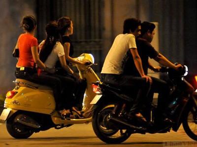 Hé lộ 'truyền thuyết' phố dân chơi ở Hà Thành