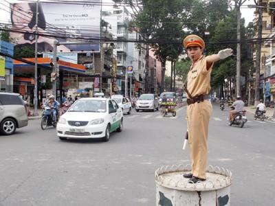 Lắp đặt camera giám sát cảnh sát giao thông