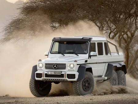 Cận cảnh xe địa hình khủng của Mercedes-Benz