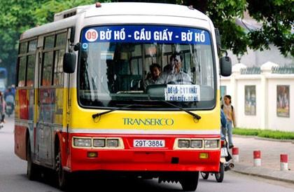 Nỗ lực 'mua lại' thói quen đi xe buýt