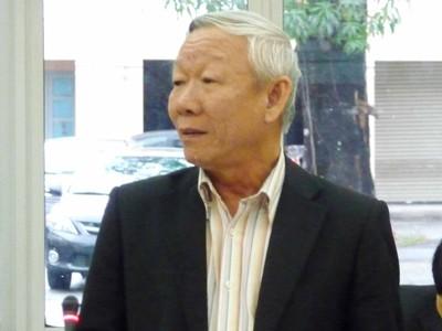 Luật sư Đỗ Pháp (đại diện Đoàn Luật sư Đà Nẵng) cho rằng dự thảo quy định về quyền con người còn chung chung Ảnh: Nam Cường
