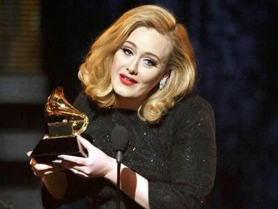Những khoảnh khắc đáng nhớ tại Grammy 2012