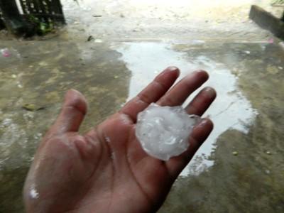 Quảng Nam xuất hiện mưa đá trên diện rộng