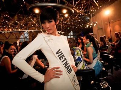 Những mái tóc tém 'thương hiệu' của sao Việt