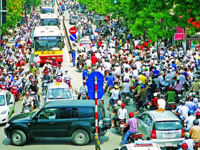 Thu phí bảo trì đường bộ: Dân ngạc nhiên,     địa phương than khó
