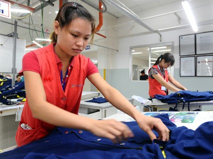 Giữ ưu đãi thuế VAT để hỗ trợ doanh nghiệp