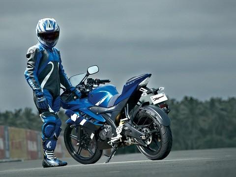Yamaha R15 2012 đã cập cảng Việt Nam