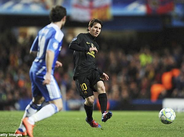 Dù rất cố gắng xong Messi vẫn chưa thể có bàn thắng vào lưới Chelsea
