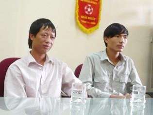Tài xế xe buýt 34 Đỗ Hữu Long (trái) và phụ xe Nguyễn Chí Thanh (phải)