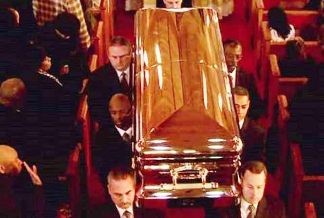 Nước mắt và âm nhạc trong lễ tang Whitney Houston