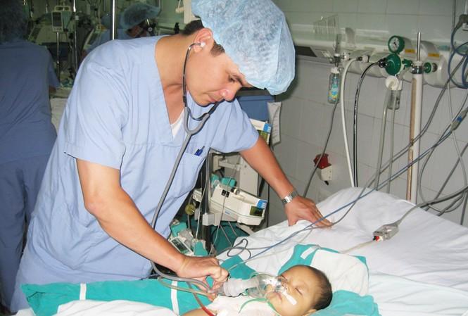 Khám sức khỏe trước khi kết hôn để hạn chế thấp nhất sinh con bị dị tật bẩm sinh Ảnh: T.Hà
