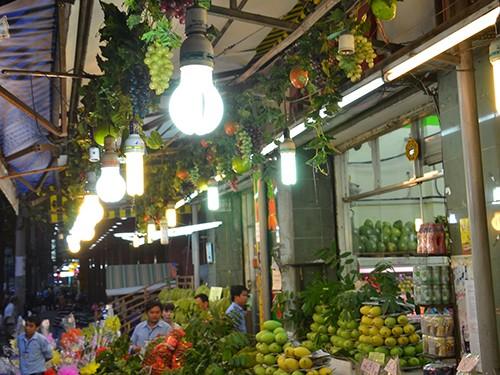 Ứng phó biến đổi khí hậu từ… bóng đèn