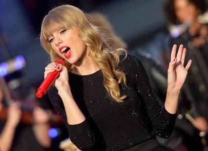 Taylor Swift có vứt thư của fan ra bãi rác?