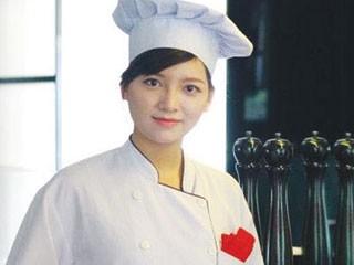 Cô gái đam mê mãnh liệt nghề đầu bếp
