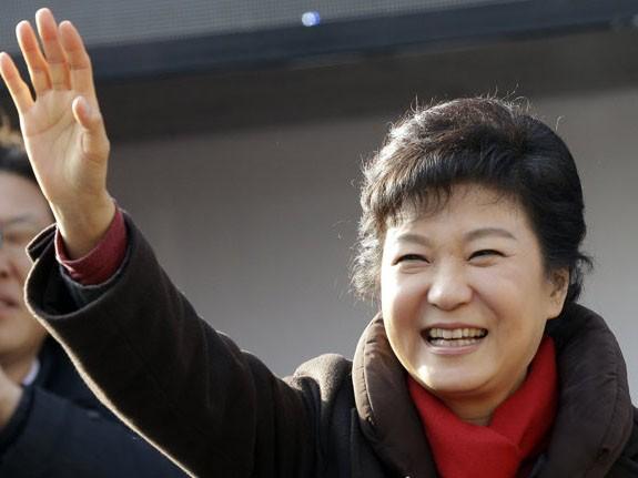 Nữ Tổng thống Hàn Quốc Park Geun Hye lần đầu tiên bị CHDCND Triều Tiên chỉ trích