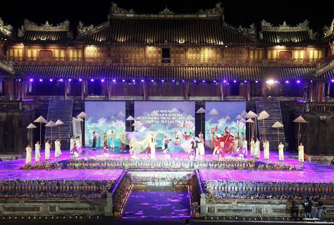 Festival Huế 2012 là dịp năm châu hội tụ