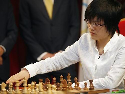 Quang Liêm thua số một nữ thế giới