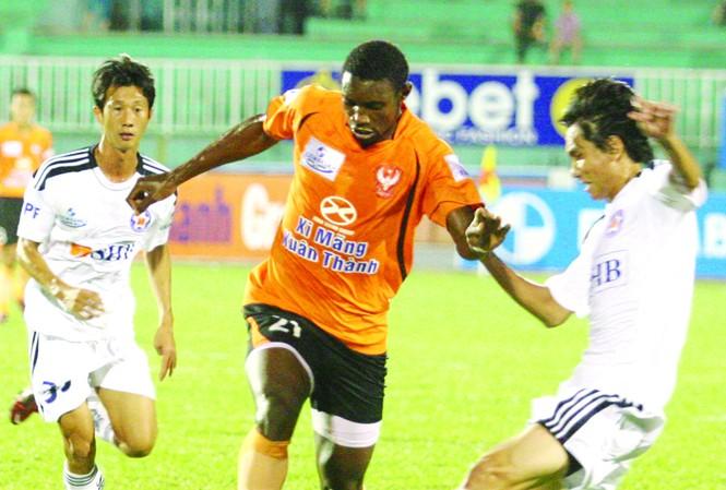 Sài Gòn FC bám sát Hà Nội T&T