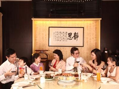 Hệ thống nhà hàng Long Đình và Asahi tri ân khách hàng nhân dịp 30-4 và 1-5
