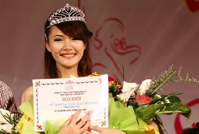 Thu Nga đoạt giải Hoa khôi Đại học Lao động Xã hội