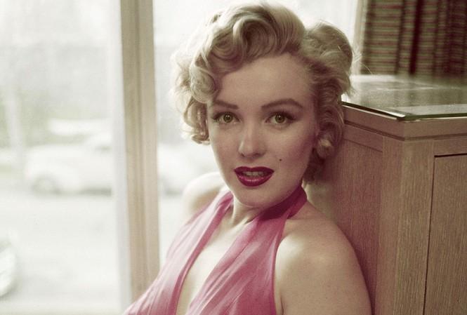 Marilyn Monroe đẹp lộng lẫy trong ảnh mới công bố