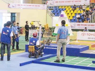 Đại học Lạc Hồng độc chiếm 12 suất dự Robocon toàn quốc