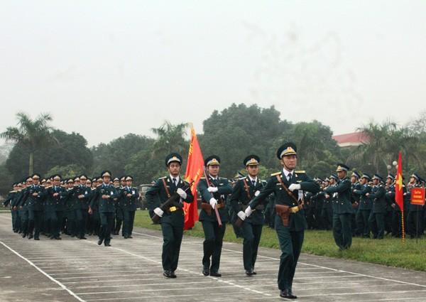Các đơn vị Phòng không - Không quân ra quân huấn luyện