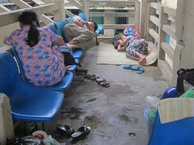 Bãi ngủ  của người nghèo