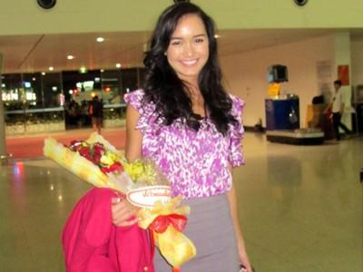 Victoria Thúy Vy bay sang Anh thi Hoa hậu thế giới