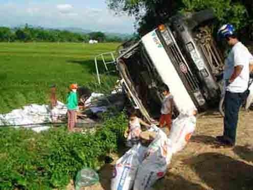 Tai nạn giao thông, ba ngày nằm dưới mương nước