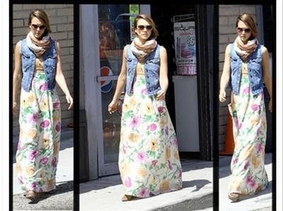 Jessica Alba mê mẩn váy maxi