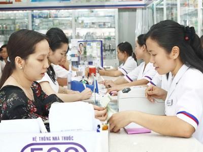 Nhà thuốc đạt chuẩn GPP cần dược sĩ đại học tư vấn thuốc cho người bệnh với lương cao khiến bệnh viện bói không ra dược sĩ Ảnh: L.N