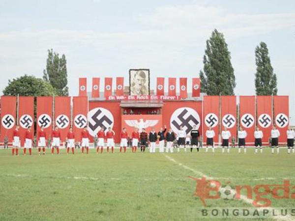 """Trận đấu giữa FC Start và không quân Đức trong bộ phim """"The Match"""""""