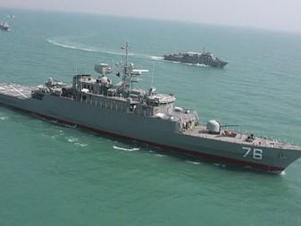 Iran 'trình làng' tàu khu trục tự chế